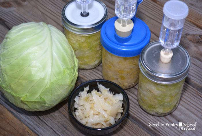 making-sauerkraut-mason-jar-fermenting-3-different-set-ups
