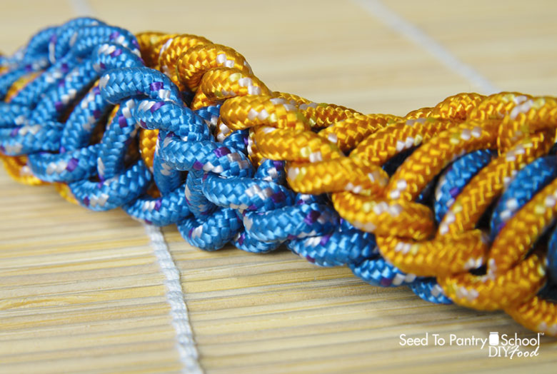 10-uses-for-paracord