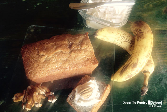 make-banana-bread-cream-cheese-spread