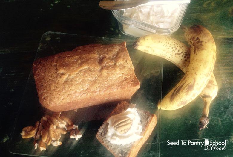 make-banana-bread-cream-cheese-spread