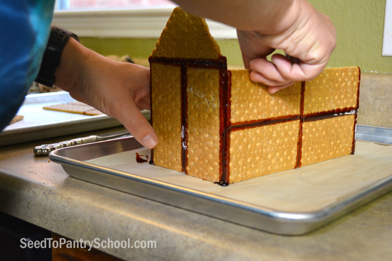 easy-homemade-gingerbread-houses